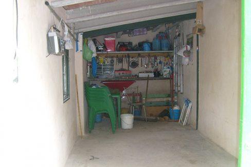 Amplia casa de campo con huerta y chimenea de leña-porche2
