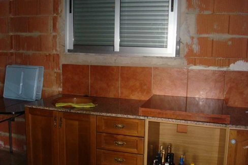 Casa de campo con buena orientación en cocentaina-cocina