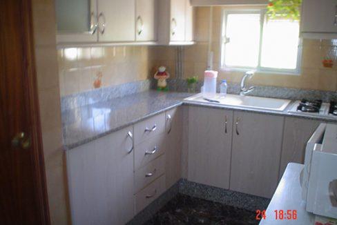 Casa de campo con cocina reformada y barbacoa en Gorga-cocina