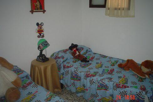Casa de campo con cocina reformada y barbacoa en Gorga-dormitorio2