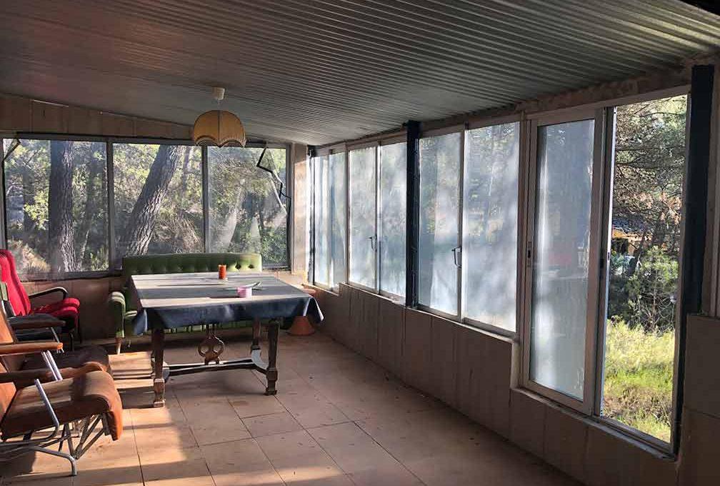 Casa de campo con piscina en el parque natural Mariola-porche