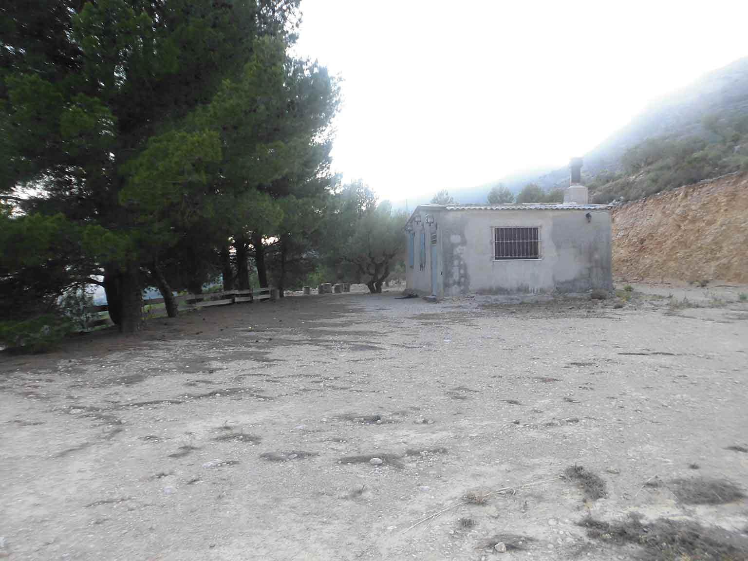 Casa refugio con buena vistas situada en gayanes