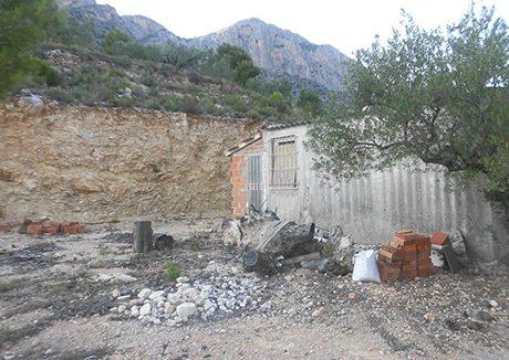 Casa refugio con buena vistas situada en gayanes-exterior3