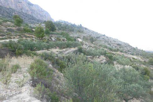 Casa refugio con buena vistas situada en gayanes-vistas
