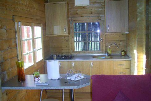 Amplio terreno con dos casas y muy buen acceso en Agres-cocina