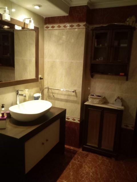 Amplio y luminoso piso reformado en Santa rosa-banyo