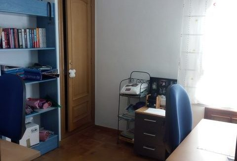 Amplio y luminoso piso reformado en Santa rosa-despacho