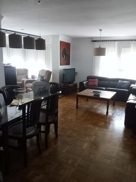 Amplio y luminoso piso reformado en Santa rosa-salon