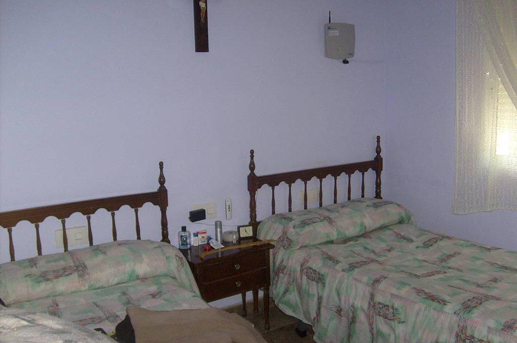 Casa de campo acondicionada con piscina y barbacoa-dormitorio