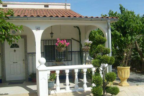 Casa de campo acondicionada con piscina y barbacoa-porche