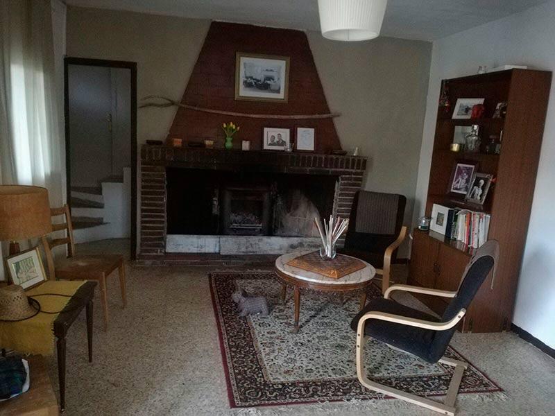 Casa de campo con dos plantas y piscina en Mariola-salon