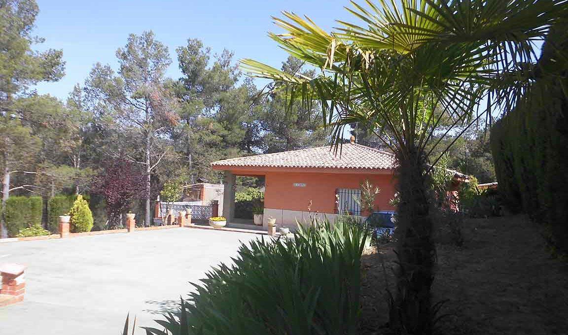 Casa de campo en planta con piscina en el baradello-exterior