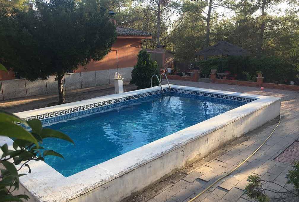 Casa de campo en planta con piscina en el baradello-piscina