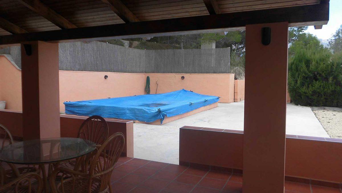 Casa de campo en venta con buenas vistas y piscina-piscina