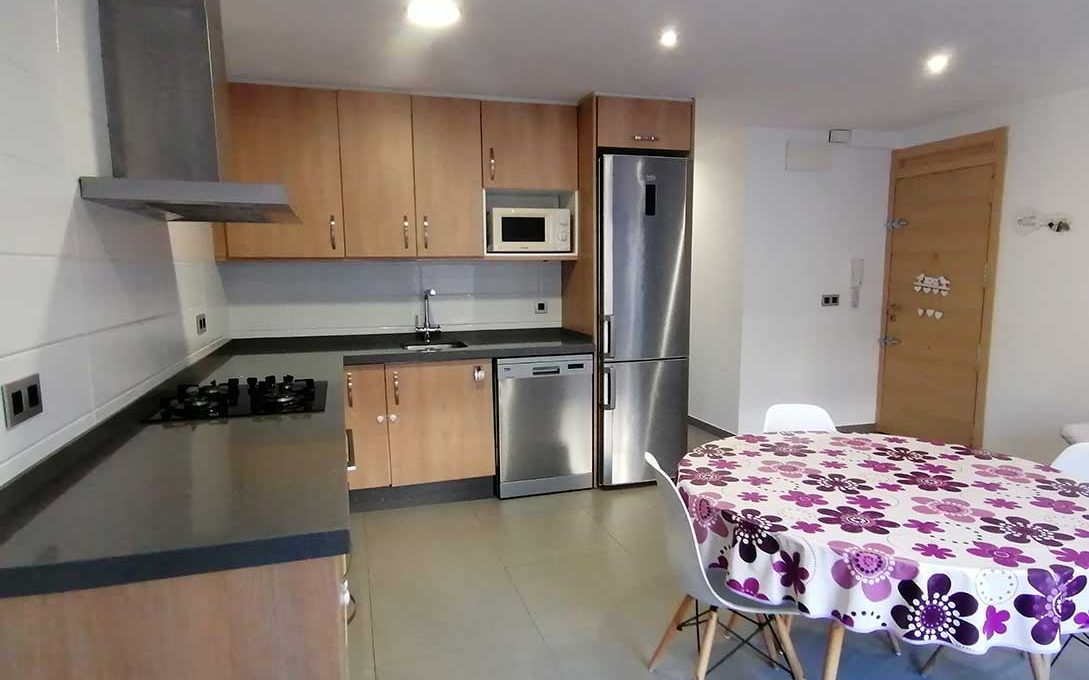 Luminoso piso reformado a la venta en Ensanche-cocina