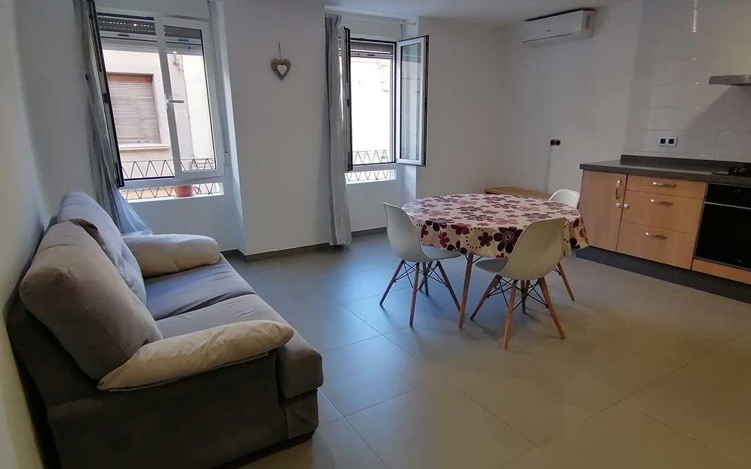 Luminoso piso reformado a la venta en Ensanche-salon2