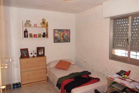 Soleada casa de campo con cocina office y piscina-dormitorio3