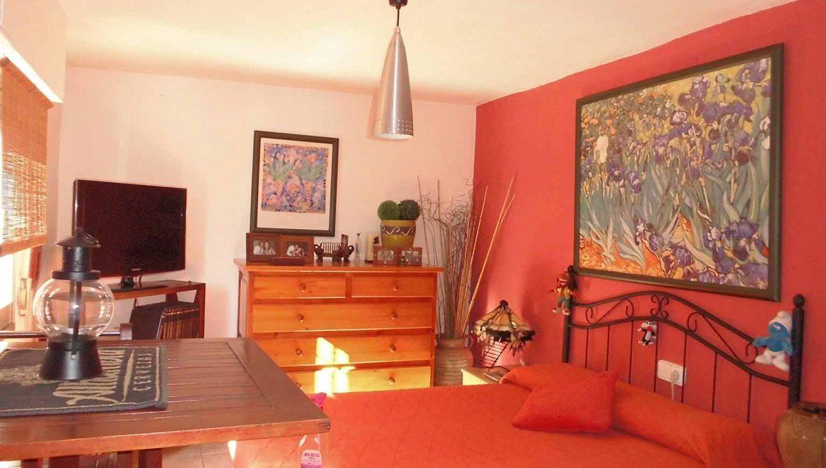 Soleada casa de campo con cocina office y piscina-dormitorio4