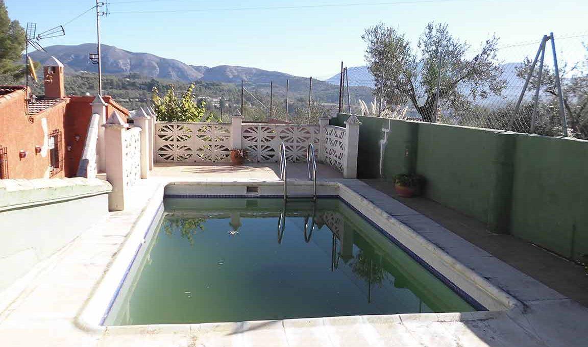 Soleada casa de campo con cocina office y piscina-piscina