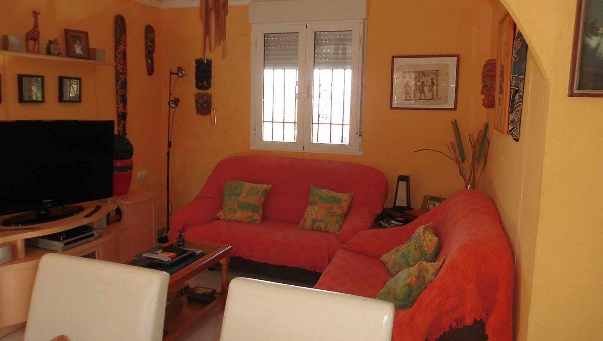 Soleada casa de campo con cocina office y piscina-salon