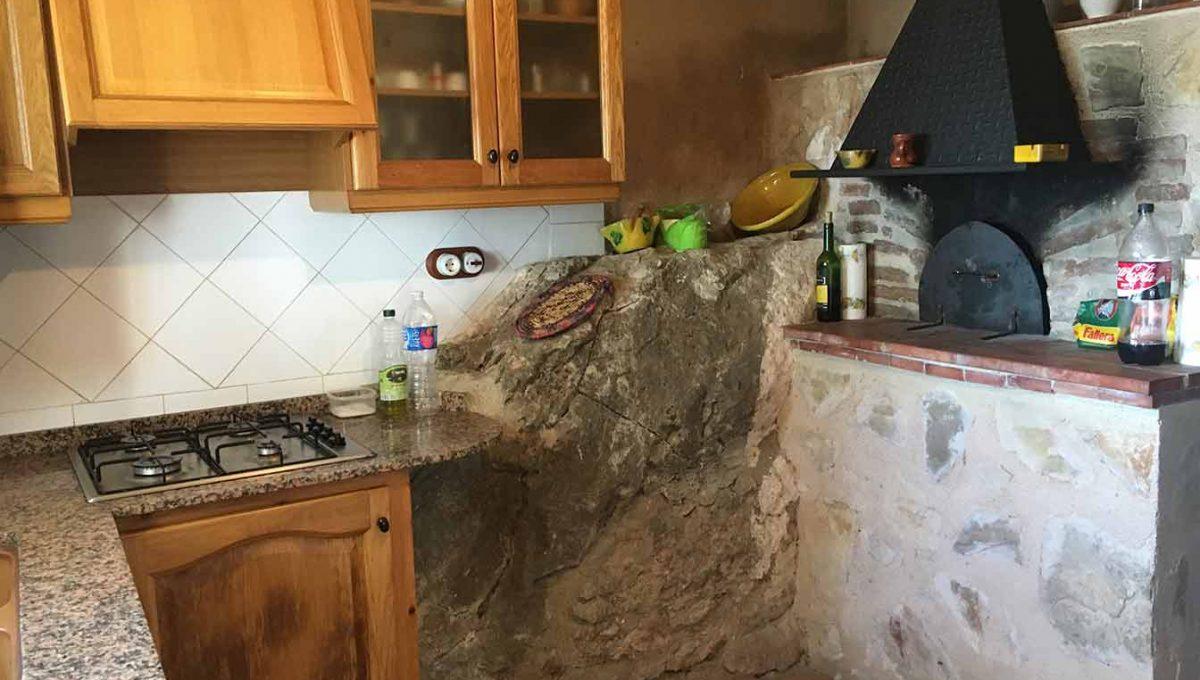 Casa de campo con casa albergue en cocentaina-cocina