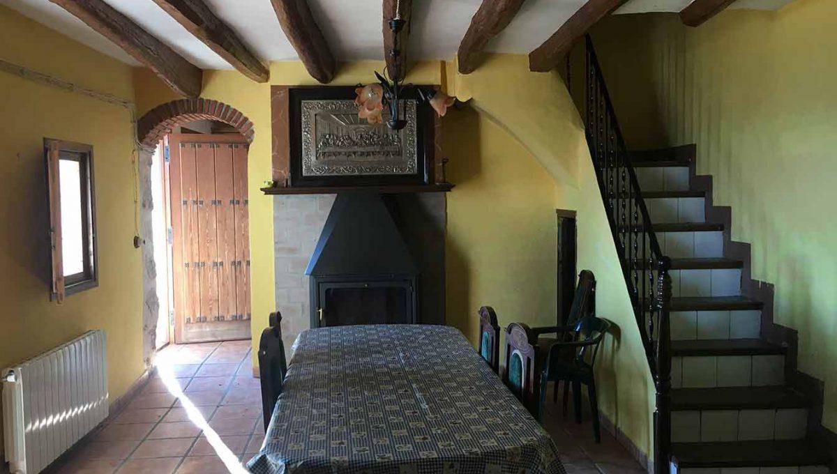 Casa de campo con casa albergue en cocentaina-comedor