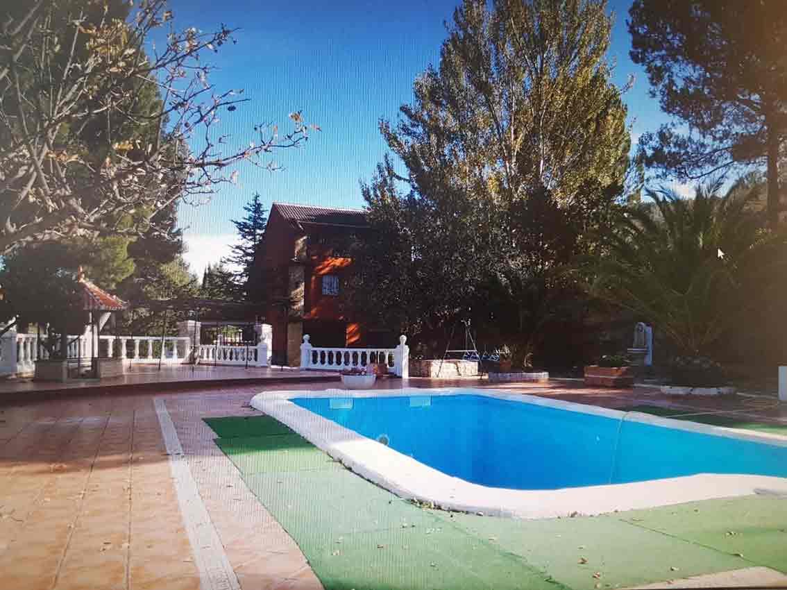 Fantástico Chalet con piscina y acabados de lujo en Alcoy
