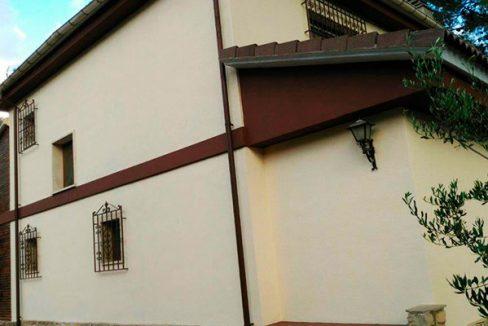Amplio chalet de 3 alturas y 7 habitaciones con piscina en Alcoy. - Exterior 7