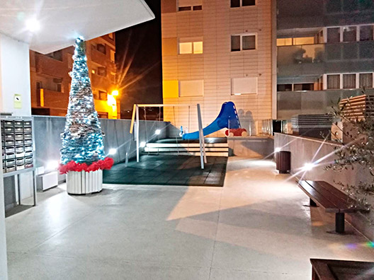 Bonito con piso de 90m2 en Santa Rosa con piscina y padel. - Exterior 1