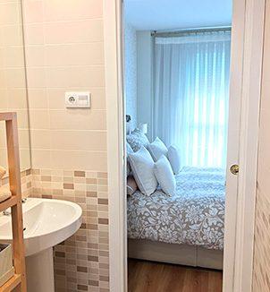 Bonito con piso de 90m2 en Santa Rosa con piscina y padel. - Baño 1