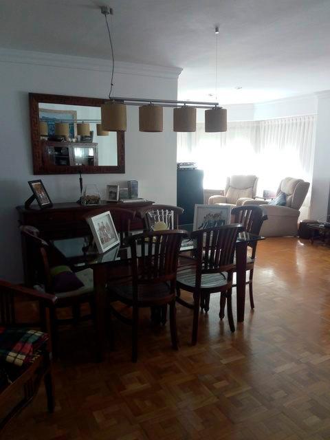 Se vende piso grande y espacioso en Santa Rosa. -Salon 6 6