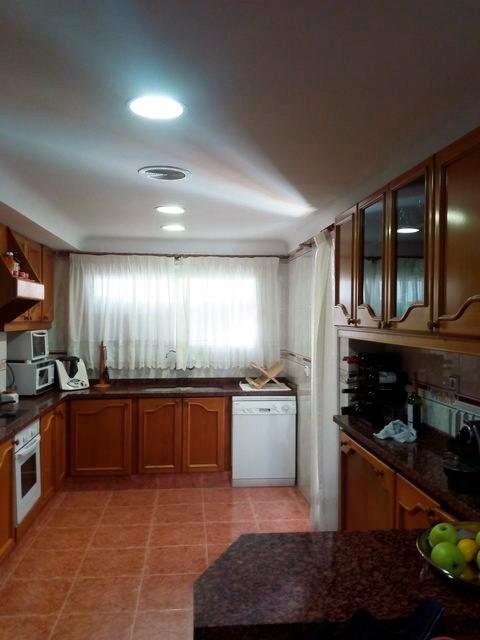 Se vende piso grande y espacioso en Santa Rosa. - Cocina 3