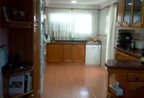 Se vende piso grande y espacioso en Santa Rosa. - Cocina 1