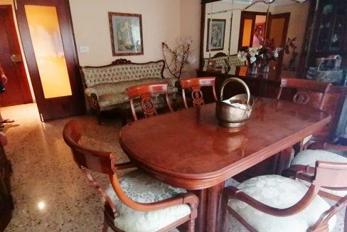 En venta extenso piso en Santa Rosa - Comedor 2