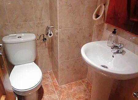 Se vende piso semi nuevo con buenas vistas en Batoi. - Baño