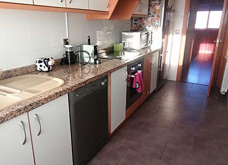 Se vende piso semi nuevo con buenas vistas en Batoi. - Cocina 1