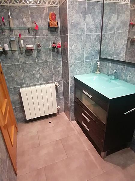 Se vende piso semi nuevo con buenas vistas en Batoi. - Aseo 1