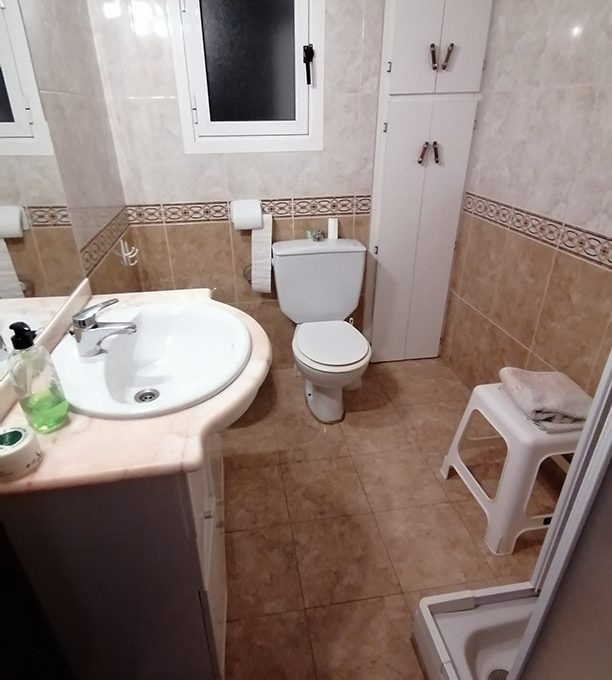 Se vende vasto piso en Santa Rosa, en buenas condiciones para habitar. - Baño 2
