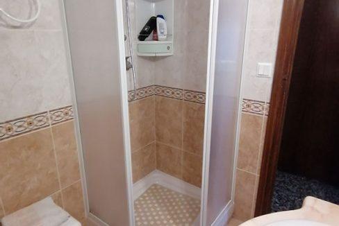 Se vende vasto piso en Santa Rosa, en buenas condiciones para habitar. - Baño 1