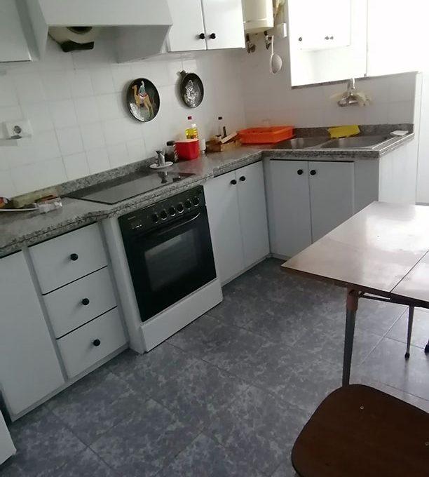 Se vende vasto piso en Santa Rosa, en buenas condiciones para habitar. - Cocina 3