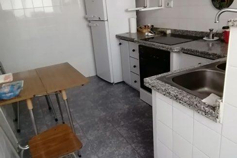 Se vende vasto piso en Santa Rosa, en buenas condiciones para habitar. - Cocina 2