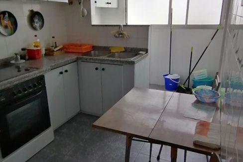 Se vende vasto piso en Santa Rosa, en buenas condiciones para habitar. - Cocina 1
