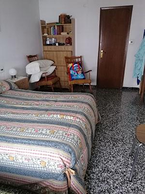 Se vende vasto piso en Santa Rosa, en buenas condiciones para habitar. - Habitacion 1