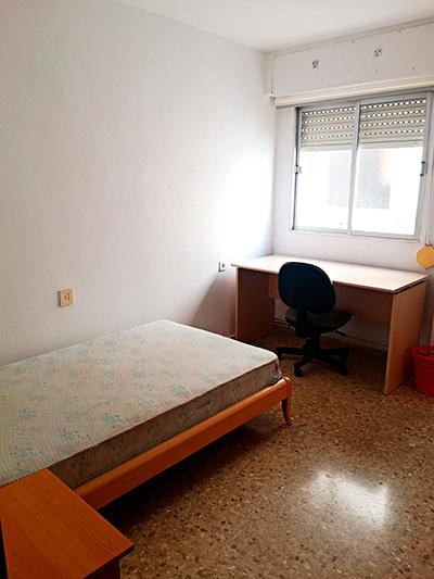 Se vende piso grande y espacioso en Santa Rosa. - Habitacion 4