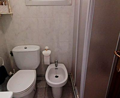 Se vende piso con terraza en Santa Rosa. - Baño 1