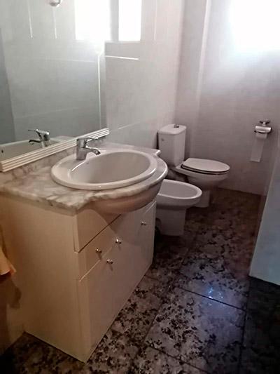 Se vende piso a buen precio en Santa Rosa. - Baño 1