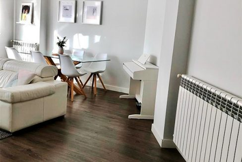 Gran piso moderno a la venta en Santa Rosa. - Salon 1