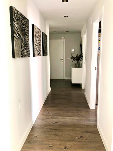 Gran piso moderno a la venta en Santa Rosa. - Pasillo 1