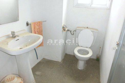 Local diáfano y amplio a la venta en la Zona Alta, Alcoy. - Baño