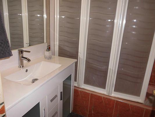 Se venden dos pisos en uno en Santa Rosa. - Baño 2